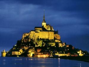 Франция страна которая очень богата